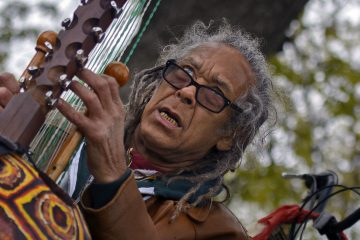 Meanwhile : A Fantastic Story in a Park - KORA - MONTREAL - MUSIC - NATURE - BIRDS Photoreport MICHAEL MONNIER