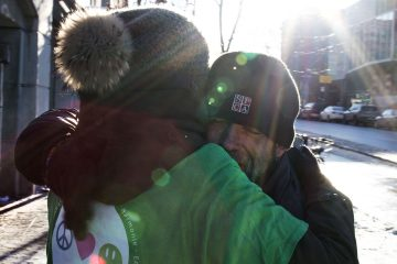 free hugs montreal winter - calins gratuits montreal hiver